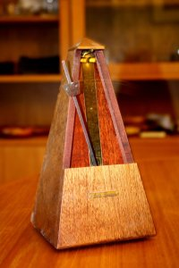 wooden-metronome-in-motion